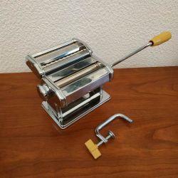 1- Machine à pate Marcato 150 multipast avec accessoires (pour raviolis, spaghettis, tagliatelles)