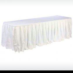 Volant plissé blanc ou ivoire pour nappe de reception / buffet / table a banquet