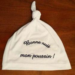Bonnet de nuit brodé avec un petit texte humouristique de votre choix