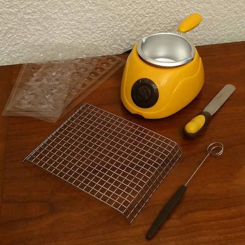 Chocolatiere pour enfant avec moules