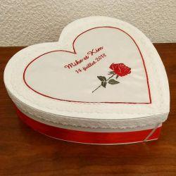 Coeur en bois avec petit texte gravé