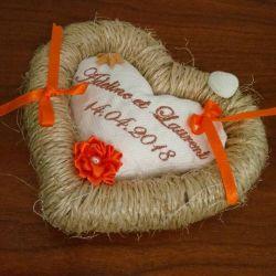Coussin de mariage / porte-alliances personnalisé brodé avec les prénoms des futurs mariés- Coloris et thème du mariage au choix