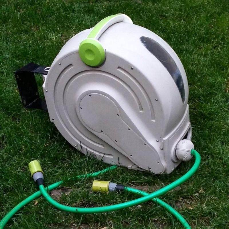 devidoir de tuyau d'arrosage automatique vert passion- v